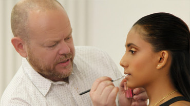 How to become a Professional Makeup Artist | Interviews with Famous Makeup Artists